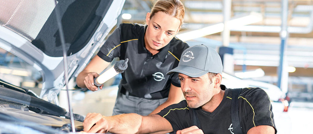Schade herstel bij Autobedrijf van Staalduinen